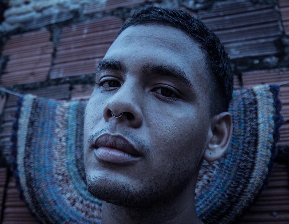 O artista cearense Mateus Fazendo Rock é uma das atrações musicais da Carcará Foto Conferência (Foto: Nay Oliveira)