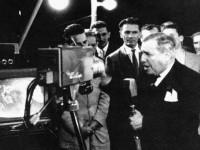 Após um discurso de Assis Chateaubriand, entrava no ar a primeira emissora de televisão do Brasil: a TV Tupi (Foto: TV Tupi/Reprodução)