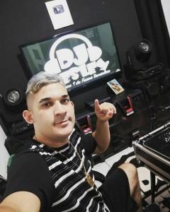 DJ Wesley mantém um canal no Youtube voltado para o Forró de Favela. Ele foi um dos DJs precursores no fortalecimento do estilo. (Foto: Arquivo pessoal)