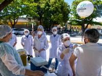 O último dia de programação da Semana do Servidor UFC 2020 contou com vacinação contra a gripe H1N1 (Foto: Viktor Braga/UFC)