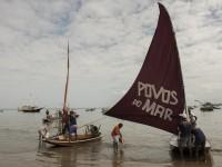 A Exposição Aquavelas abre a 10ª edição do Encontro Sesc Povos do Mar. Dez artistas visuais cearense estampam as velas das jangadas com suas obras (Foto: Jr. Panela)