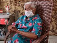 """Mestra Zilda Eduardo da Silva, de 94 anos, é uma das entrevistadas no documentário """"Dramistas: Memórias do Ceará"""" (Foto: Divulgação)"""