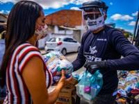 O Movimento Panela Cheia pretende distribuir dois milhões de cestas básicas para pessoas em situação de vulnerabilidade (Foto: Reprodução/Movimento Panela Cheia)