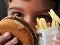 Além da prática de atividades físicas, a pediatra Virna Costa recomenda procurar sempre ter refeições em horários certos (Foto: Marcello Casal Jr./Agência Brasil)