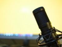 Com episódios dinâmicos e linguagem direta e baseada no universo da juventude, o podcast tem como público alvo, jovens entre 18 a 25 anos (Foto: Pixabay)