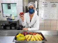 Manter uma boa alimentação ajuda os pacientes a recuperarem perdas metabólicas e a regularem o bom funcionamento do organismo (Foto: Reprodução/Internet)