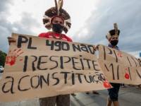 O PL 490 mira as Terras Indígenas para regular atividades de exploração como mineração e garimpo, e autoriza contato com povos indígenas isolados (Foto: Tiago Miotto/CIMI)