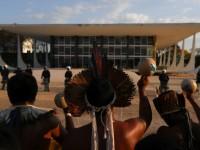 A tese do marco temporal tem como base a ideia de que populações indígenas só teriam direito à terra se estivessem de posse da área ou em disputa judicial por conta dela em 5 de outubro de 1988, data da promulgação da Constituição Federal (Foto: REUTERS/Amanda Perobelli)
